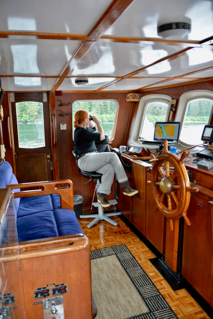 Guest seats in the pilothouse.